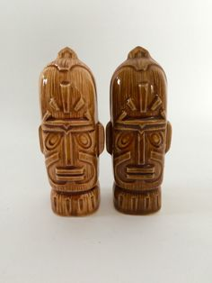 Vintage Tiki Atomic Salt and Pepper Shakers by LiveFunVintage on Etsy https://www.etsy.com/listing/220622292/vintage-tiki-atomic-salt-and-pepper