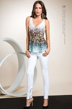 guess by marciano white pants and printed shirt
