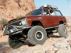 #Jeep #Wagoneer off-roading