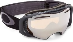 Oakley Airbrake™ snow goggles let you keep up with changing light and weather thanks to an innovative interchangeable lens system.