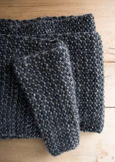 Cobblestone Scarf Purl Soho; Uses three colors
