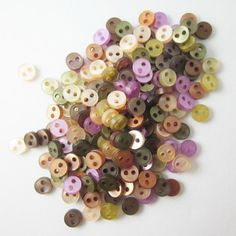 100 pcs translucent Very Tiny 2 hole button  5 mm. by thaifabshop