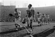 The First AFL-NFL World Championship Game in professional American football, later known as Super Bowl I and referred to in some contempora. Nfl Championships, One Championship, Super Bowl I, American Football League, Kansas City Chiefs, Chiefs Football, Rare Photos, Bobby, Classic