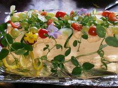 Voileipäkakku (tonnikala) - Kotikokki.net - reseptit Joko, Grains, Rice, Chicken, Meat, Baking, Recipes, Mayonnaise Cake, Beef
