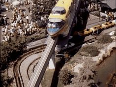 37 Vintage Disneyland GIFs You Never Knew You Needed