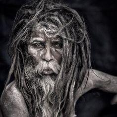 Pics For > Aghori Baba Eating Human Body White Photography, Portrait Photography, Tattoo Week, Aghori Shiva, Black Magic Love Spells, Love Problems, Varanasi, Macau, Meditation Music