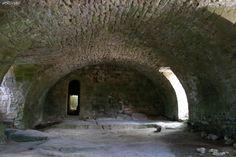 Réfectoire de la Commanderie Templière de Vaour – Tarn (France) – Crédit Photo: Messire Hephgé – Licence CC BY-SA 3.0