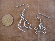 PECORINA e suo osso orecchini wirewrapped Bracelet Crafts, Jewelry Crafts, Handmade Jewelry, Wire Jewelry Designs, Metal Jewelry, Bone Crafts, Unusual Jewelry, Beads And Wire, Wire Art