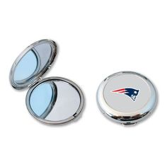 Check out your winning smile, while you root on the New England Patriots with this compact mirror. Beauty is in the holder of this officially licensed NFL product that features your team logo. Shop no