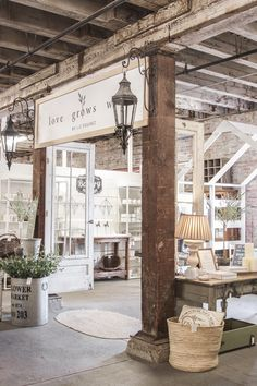 This is a desirable retail space because it has a theme and a unique feel. It sets its product in a possible setting. Retail Store Design, Retail Shop, Merchandising Displays, Retail Store Displays, Antique Store Displays, Consignment Store Displays, Antique Mall Booth, Vintage Display, Farm Store