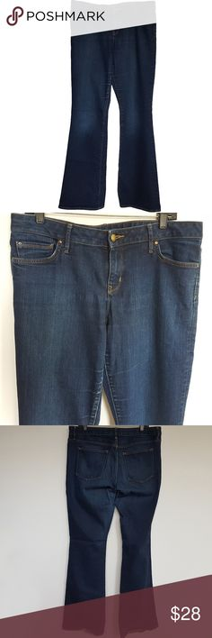 "Gap 1969 Mens Jeans Perfect Boot Dark Wash Sz 33XL Here are Gap 1969 dark wash perfect boot men's jeans. Zip Fly Stretch  Big & Tall Sz 33XL 87% cotton 12% polyester 1% spandex. Measurement Flat Waist: 18.5"" Rise: 9"" Inseam: 36"" Leg opening: 10.5"" Condition: Pre-owned condition with the following flaw: hole in the hem; back left leg. Add these dark wash perfect boot jeans by Gap 1969 to your closet! Gap Jeans Relaxed"