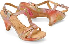 Cute and Comfy Sandals: Born 'Myndy' sandals