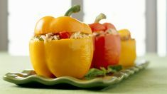 This stuffed pepper recipe contains tuna, rice, mayonnaise and chopped onion and celery. Stuffed peppers with tuna and rice. Stuffed Peppers With Rice, Chicken Stuffed Peppers, Cheese Recipes, Snack Recipes, Chicken Recipes, Dinner Recipes, Snacks, Parmesan, 3 Quart Baking Dish