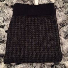 gray and black leggings super cute patterned leggings. worn once or twice, in great condition! Patterned Leggings, Black Leggings, Leggings Are Not Pants, Fashion Tips, Fashion Design, Fashion Trends, Super Cute, Smoke Free, Holidays