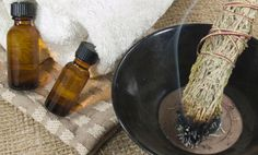 How to Remove Negative Energy from Your Home - Health And Healthy Living Herbal Remedies, Home Remedies, Natural Remedies, Benefits Of Burning Sage, Relation D Aide, Tibetan Bowls, Removing Negative Energy, Home Protection, Purifier