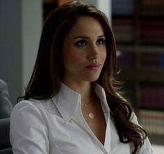 Meghan as Rachel in suits 2.06 All IN