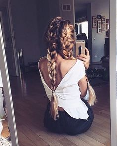 Love this hairstyle! Yay or Nay? credit @phiaka #hairsandstyles