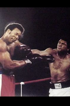 """It was October and the event was billed as """"The Rumble in the Jungle."""" Heavyweight boxing champion George Foreman defended his crown in Zaire (now the Democratic Republic of the Congo) against challenger Muhammad Ali. George Foreman, Mohamed Ali, Rumble In The Jungle, Heavyweight Boxing, Photo Star, Boxing History, Float Like A Butterfly, Boxing Champions, Sport Icon"""