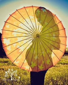 Love the umbrella for maternity photos. Maternity Poses, Maternity Pictures, Pregnancy Photos, Baby Photos, Yoga Pregnancy, Maternity Photography Outdoors, Maternity Photographer, Maternity Silhouette, Baby Shower Photography