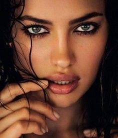 eye characteristics and impersonators of Irina Shayk and her lookalike Adriana Lima