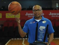 Ocky Tamtelahitu Our Head Coach Coach Of The Year NBL Indonesia Season 2014-2015