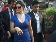 Zarine Khan looking STUNNING in a tight deep low neck dress. (18+)
