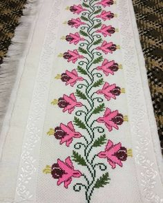 Cross Stitch Borders, Cross Stitch Flowers, Lavander, Filet Crochet, Baby Knitting Patterns, Bohemian Rug, Embroidery, Cross Stitch Love, Cross Stitch Patterns
