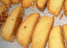 Σφακιανά παξιμαδάκια - cretangastronomy.gr Greek Cookies, Greek Sweets, Pastry Cake, Greek Recipes, Hot Dog Buns, Biscotti, Potatoes, Bread, Vegetables