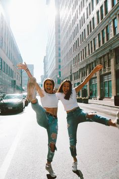 fun downtown friend photoshoot ig/pin: sarenaseeger