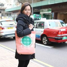 Meet Henny – An Indonesian-Chinese beauty entrepreneur talks about how she transferred her fashion artistry from London to microblading in Hong Kong. #laptopbag #creativecommunity #bag Schools In London, Laptop Tote Bag, Hong Kong, Entrepreneur, Chinese, Meet, Urban, Gift Ideas, Creative