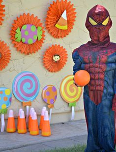 Spidey is ready to bowl! Halloween Kids, Halloween Party, Party Props, Party Ideas, Fall Preschool, Oriental Trading, Candyland, Party Planning, Halloween Decorations