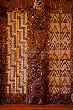 New Zealand, Paihia, North Island. Wood Carving Art, Bone Carving, Wood Art, Wood Carvings, Tiki Totem, Tiki Tiki, Sculpture Art, Sculptures, Maori Designs