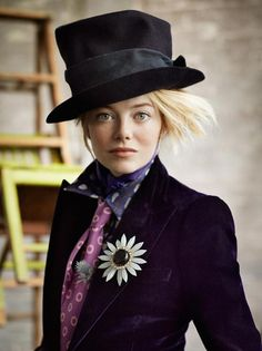 Emma Stone for Vogue in an elaborate dandy style. The bright colors and fabrications add to this dandy inspired look, as well as the cravat and top hat. (Style Frizz)