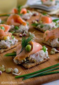 Ceviche Salmon and Peas on Triscuit Crackers #TriscuitSummerSnackoff - A delicious classic pairing of salmon and peas