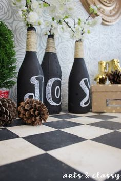 Make Your Season Sparkle With This Holiday DIY - Winter decor diy Diy Wedding Decorations, Christmas Decorations, Holiday Decor, Diy Decoration, Christmas On A Budget, Christmas Diy, Christmas Stuff, Cool Diy Projects, Diy Crafts For Kids