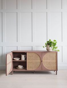 Rose & Grey Informations About Retro Storage Furniture – Vintage Storage Units The featured image was randomly selected. Cane Furniture, Rattan Furniture, Home Decor Furniture, Furniture Vintage, Furniture Legs, Barbie Furniture, Garden Furniture, Modern Wood Furniture, Console Furniture