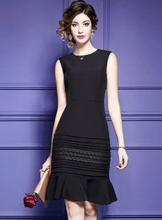 Therefore, if you're a tiny bit edgy, pick a tiny black dress with a small bit of flare. The dress looks a little old-fashioned, but it's still in style nowadays. Petite dresses have a … Trendy Dresses, Elegant Dresses, Women's Fashion Dresses, Vintage Dresses, Beautiful Dresses, Short Dresses, 50s Dresses, Mermaid Dresses, Party Dresses