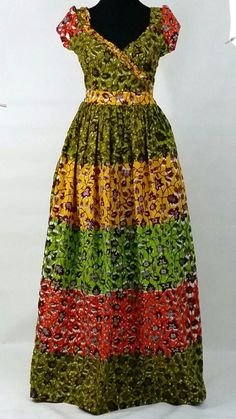 Made with Hollandais Vlisco wax. Latest African Fashion Dresses, African Dresses For Women, African Print Dresses, African Print Fashion, Africa Fashion, African Attire, African Wear, African Women, Ankara Maxi Dress