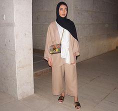 Muslim Fashion 18366310966061636 - Source by khialinawel Modern Hijab Fashion, Hijab Fashion Inspiration, Abaya Fashion, Muslim Fashion, Fashion Outfits, Modest Fashion, Casual Hijab Outfit, Hijab Chic, Mode Kimono