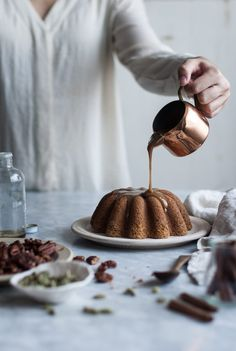 Pumpkin Butter Cake + Maple Bourbon Caramel & Candied Pecans - The Kitchen McCabe - Cake Recipes Pumpkin Butter, Baked Pumpkin, Cake Recipes, Dessert Recipes, Desserts, Candied Pecans, Let Them Eat Cake, No Bake Cake, The Best