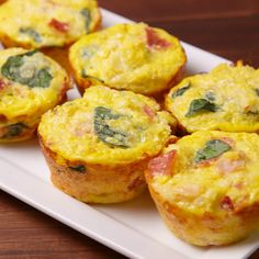 Recipes Breakfast Muffins Baking Breakfast Cauliflower Muffins Video — Breakfast Cauliflower Muffins Recipe How To Video Keto Breakfast Muffins, Breakfast Bake, Low Carb Breakfast, Breakfast Dishes, Breakfast Recipes, Egg Muffins, Omlet Muffins, Cheese Muffins, Free Breakfast