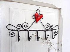 Nábytok - srdce z porcelánu...folk vešiak - 7570667_