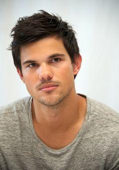 100 homens mais bonitos do mundo em 2014 - Taylor Lautner