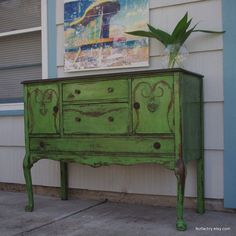 Shades of Amber: Chalk Paint Color Theory - Antibes Green #antiquefurniture