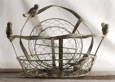 Metal Chicken Wire Baskets with Bird Handles (set of 2 baskets) be cute lined with coco fiber and have herbs planted in--a traveling herb garden. Old Baskets, Metal Baskets, Paper Lantern Lights, Paper Lanterns, Rustic Centerpieces, Centerpiece Decorations, Metal Chicken, Save On Crafts, Boho Kitchen