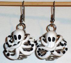 Ohrringe Krake Octopus Fimo handgemacht von Verrückte Ohrringe und Schmuck Welt auf DaWanda.com