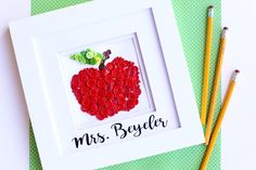 It's that time of year, when you're searching for Teacher Appreciation Gift Ideas!! If you're like me, you always like to include a little handmade something. Today's project is so cute and perfect, Button Apple Art! MichaelsMakers Sugarbee Crafts
