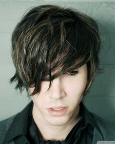 Short Tousled Brown Hair For Men ❥❥❥ http://bestpickr.com/short-emo-hairstyles-for-guys