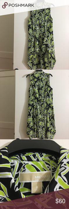 Michael Kors Black and Green Pattern Dress size 2 Michael Kors Black and Green Leaf/Grass Pattern Knee length dress. Size 2. Dresses Midi