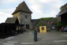 Die Eröffnung der mittelalterliche Ritterspiele